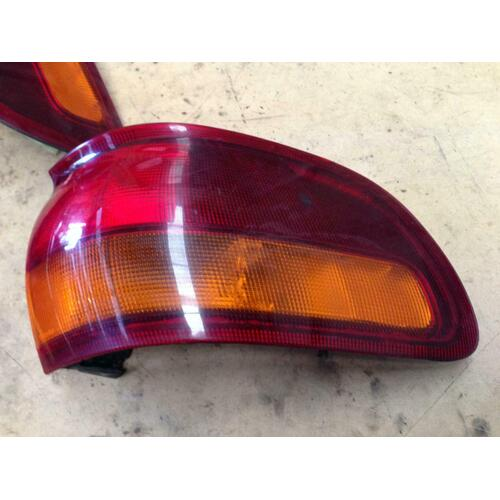 Toyota Tarago Right Rear Taillight TCR10 Genuine Tested 09/90-05/00