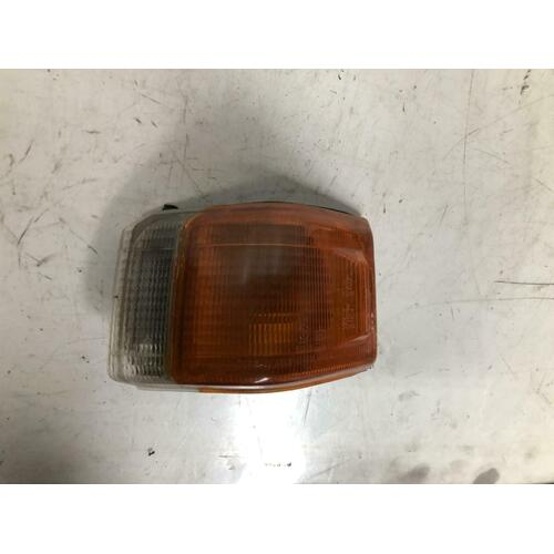 Nissan NOMAD Left Indicator Light Genuine VAN 12/86-09/92 Wrecking Car