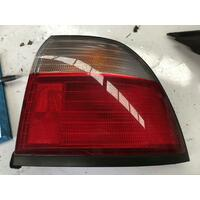 Honda Accord CD Sedan Right Taillight 11/95-11/97