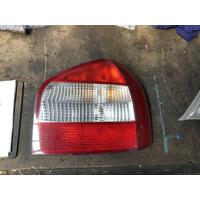 Audi A3 8L Right Tail Light White Reverse Light Rectangle Type 11/2000-05/2004