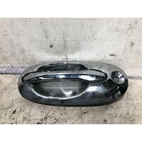 Kia CARNIVAL Door Handle KV SII Left Front 12/01-09/06 Outer